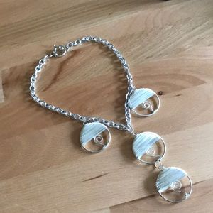 Jewelry - Funky Silver Circle Y Pendant Necklace